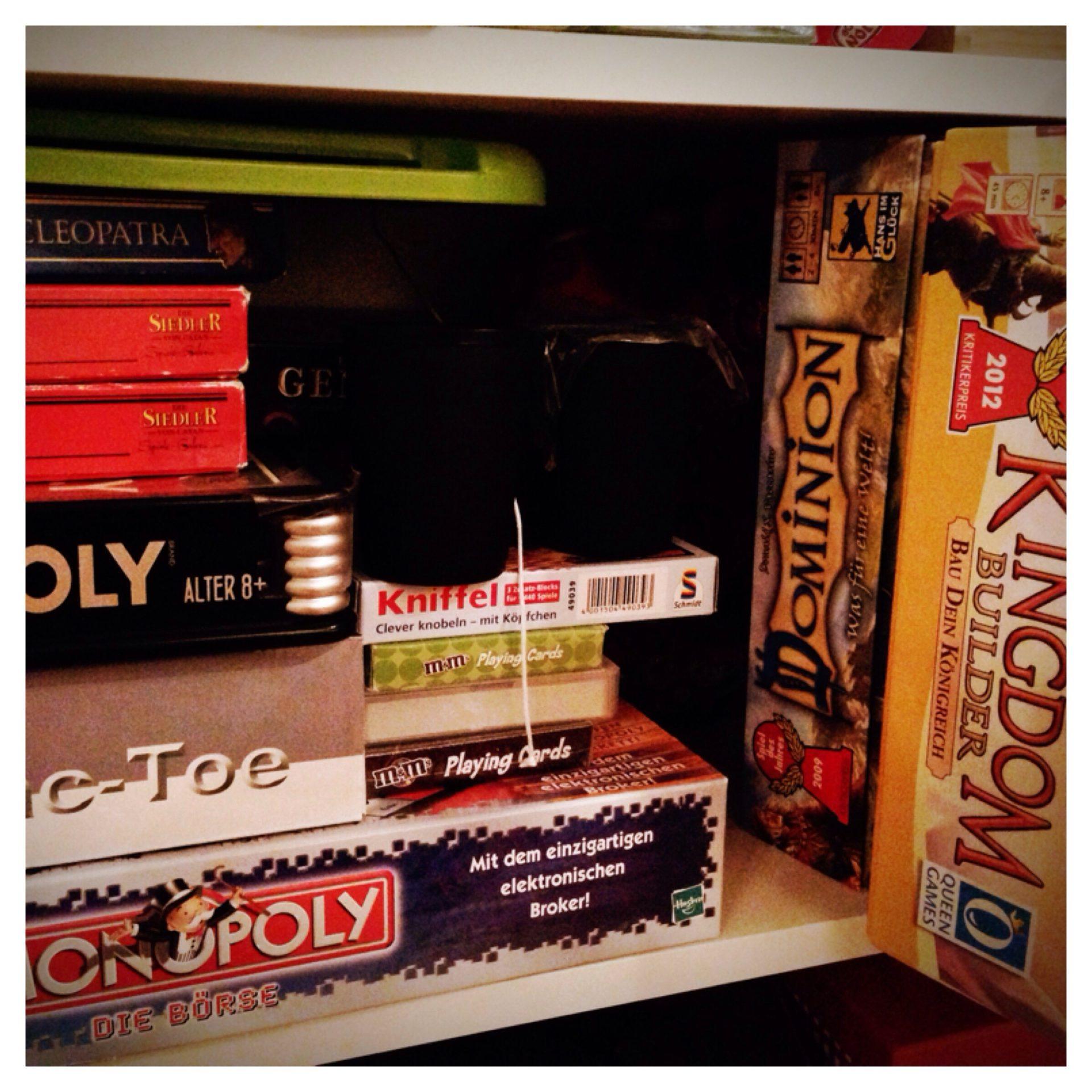 weihnachten und die feiertage zeit f r gesellschaftsspiele. Black Bedroom Furniture Sets. Home Design Ideas