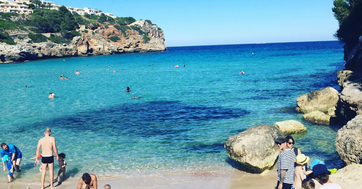 Schoener Strand Mallorca Osten Sandstrand Kinder flacher Einstieg
