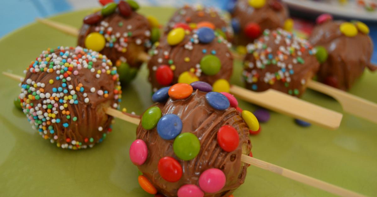 Rezept Bunte Schoko-Cake-Pops für den Kindergeburtstag