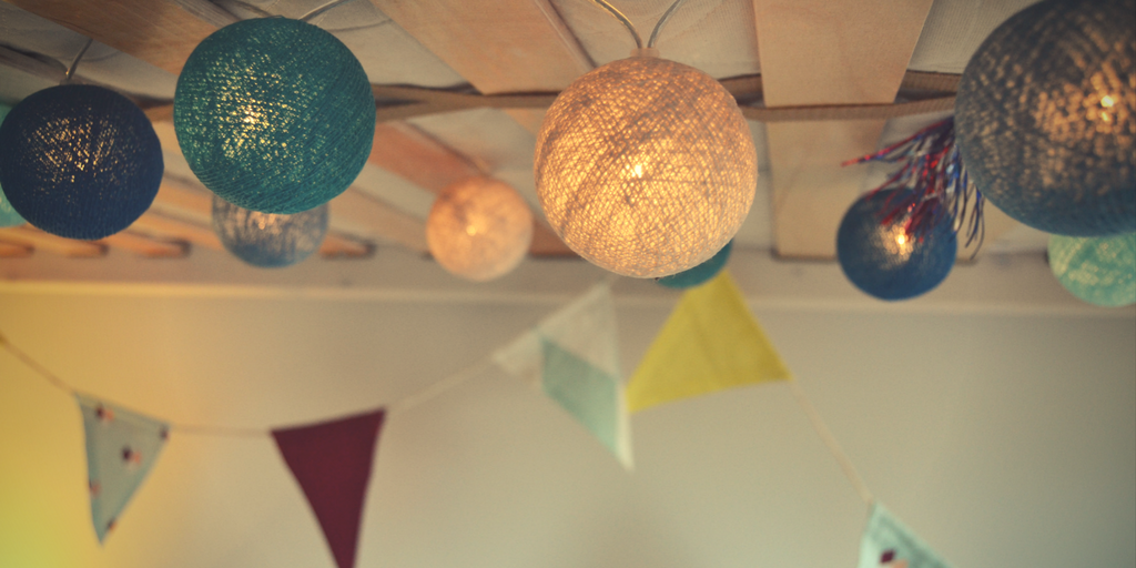 lichterkette am bett befestigen lichterkette bett 38 besten zimmer bilder auf pinterest wohnen. Black Bedroom Furniture Sets. Home Design Ideas